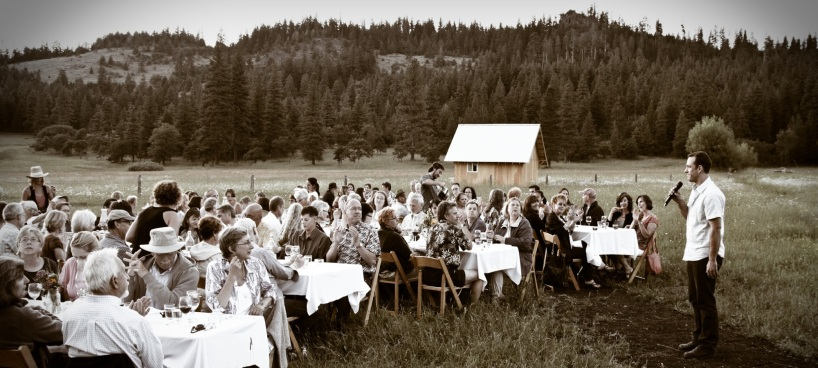 Farm to Fork Events, Oregon Farm Dinners Celebrating Local Farmers, Local Wineries, Local Food Artisan and the Local Food Community. Farm Dinner at Willow Witt Ranch in Ashland Oregon
